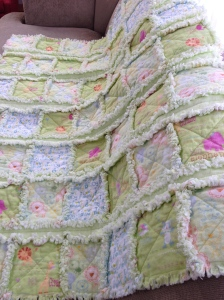Rag Quilt  w/Alternating Strips